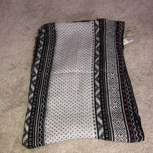 American Eagle Outfitters Scarf black white pink